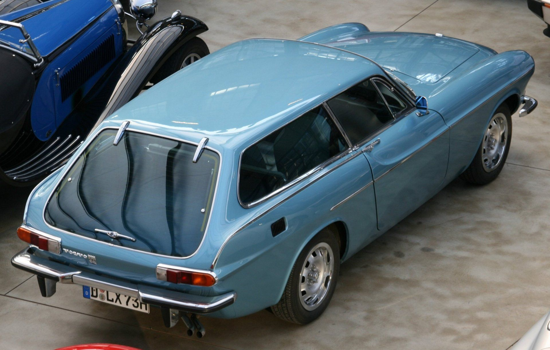 volvo p1800 es snow white s coffin only cars and cars. Black Bedroom Furniture Sets. Home Design Ideas